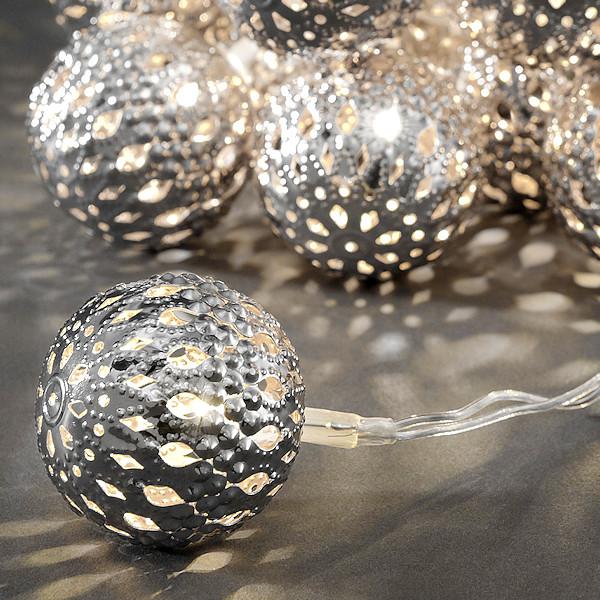 konstsmide led kugel lichterkette 24 silberne led metallkugeln warmwei. Black Bedroom Furniture Sets. Home Design Ideas