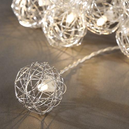 konstsmide led kugel lichterkette 16 silberne led aluminiumkugeln warmwei batteriebetrieben. Black Bedroom Furniture Sets. Home Design Ideas