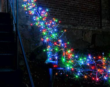 konstsmide micro led b schellichterkette cluster 768 bunte led 8 lichtfunktionen. Black Bedroom Furniture Sets. Home Design Ideas