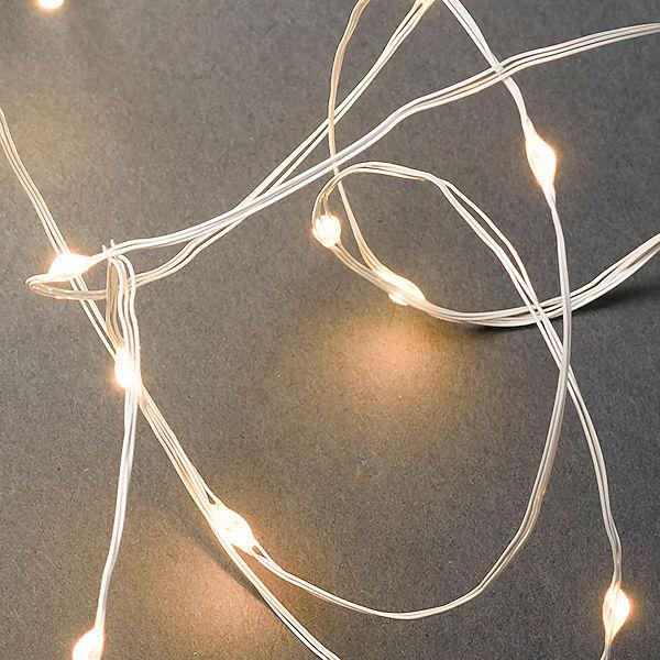 Ziemlich Weihnachtsbeleuchtung Weißer Draht Galerie - Der ...