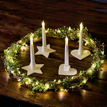 LED-Adventsbeleuchtung mit Tilda Wreath und Olina Candlelights