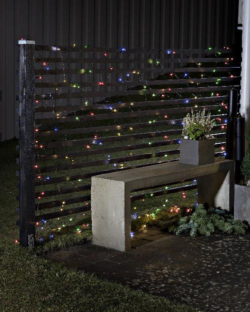 Konstsmide led lichternetz batteriebetrieb mit timer und sensor 240 bunte led - Weihnachtsbeleuchtung mit batterie und timer ...