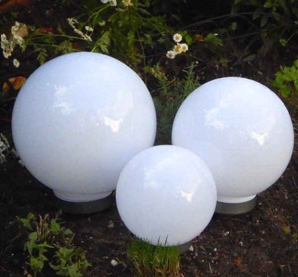 solar kugeln mit erdspiess 3er set 20 25 30 cm 4 led warmwei. Black Bedroom Furniture Sets. Home Design Ideas